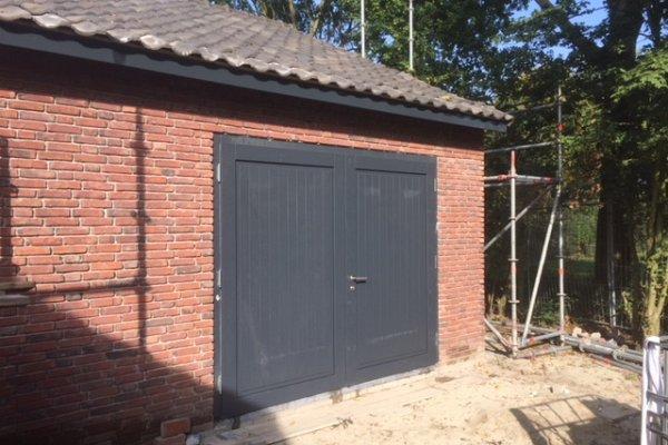 openslaande houten garagedeuren Deventer type Badings