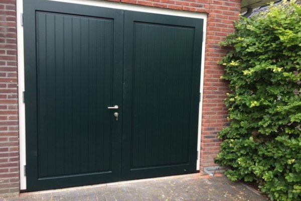openslaande houten garagedeuren Heerhugowaard type Badings