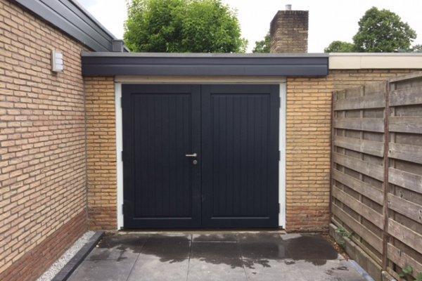 openslaande houten garagedeuren Utrecht type Badings