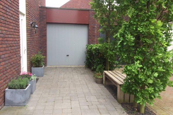 openslaande houten garagedeuren Zewolde vooraf
