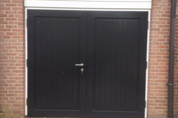 openslaande houten garagedeuren Wijk bij Duurstede type Badings