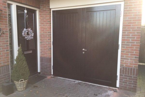 openslaande houten garagedeuren Haaksbergen type Badings