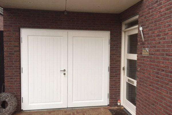 openslaande houten garagedeuren Enschede type Badings