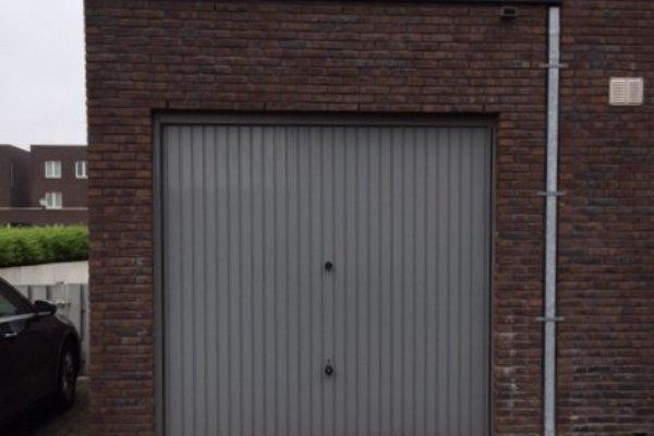 openslaande houten garagedeuren Waalwijk vooraf