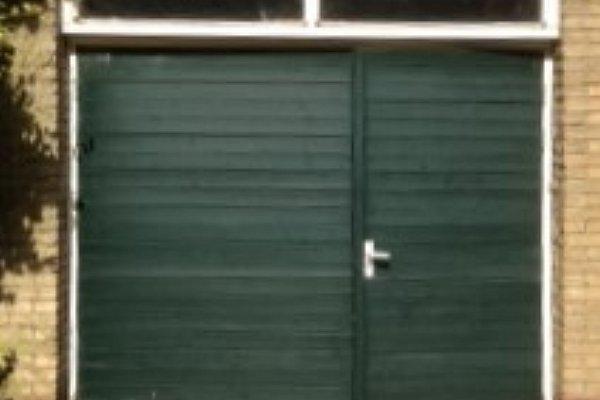 openslaande houten garagedeuren Harderwijk vooraf