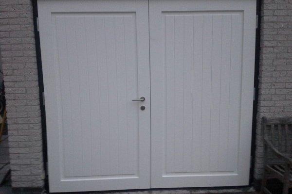 openslaande houten garagedeuren Leusden type Badings