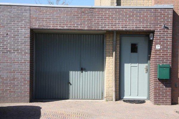 openslaande houten garagedeuren Lelystad vooraf